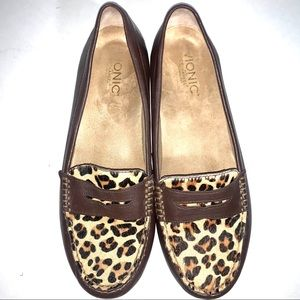 Vionic Loafers in Brown with Cheetah/Leopard Print